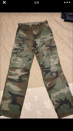 Camouflage pants, size 27–31W x 32L for Sale in Columbus, OH