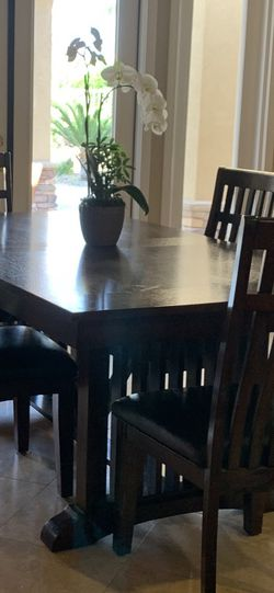Kitchen Table for Sale in Henderson,  NV