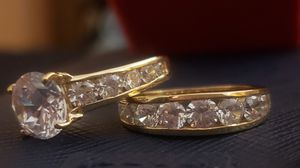 (PoetryDelivery📮& treasures) 💍Beautifull 14K Fine 🔅 Gold w/ A Brilliant 4.73Ct Round Solitaire Lab Diamond Double Band Wedding Engagement Ring. for Sale in Redlands, CA