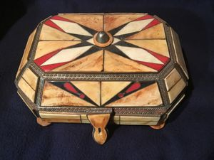 Vintage jewelry box for Sale in Dallas, TX