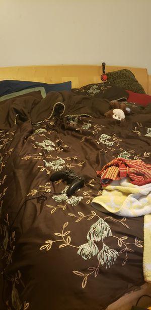 King size bedroom set for Sale in Fayetteville, NC