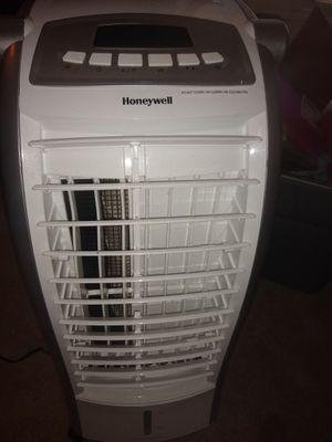 Honeywell air humidifier/air cooler for Sale in Oklahoma City, OK