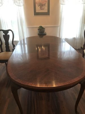 Dining Room Table includes Cover, Extension Leaf, and 4 Chairs for Sale in Gainesville, VA
