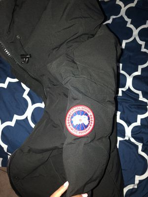 Canada goose parka for Sale in Weymouth, MA