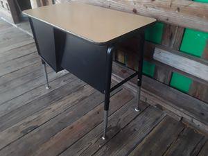 Jr Executive Student School Desk for Sale in San Antonio, TX