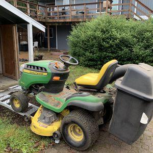 """John Deer D240 lawn tractor 42""""deck for Sale in Auburn, WA"""