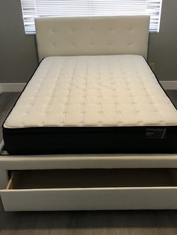 QUEEN BED FRAME WITH MATTRESS for Sale in Phoenix,  AZ
