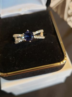 2 ct blue sapphire white topaz set in solid silver. Sz 7 for Sale in Meriden, CT