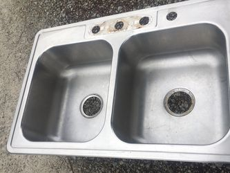 Stainless steel kitchen sink for Sale in Columbus,  OH