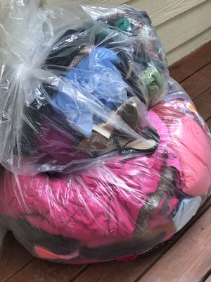Baby girl 3t-4t over 120 pcs clothes and some women cloth for Sale for sale  Stone Mountain, GA