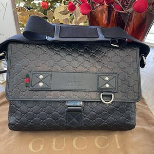 Gucci Messenger Bag for Sale in Irvine, CA