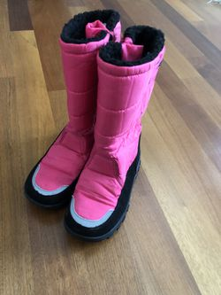 Khombu Snow Boots Size 2 Girls for Sale in Happy Valley,  OR