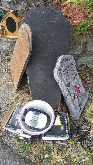 Coffin all stuff halloween for Sale in Bonney Lake, WA