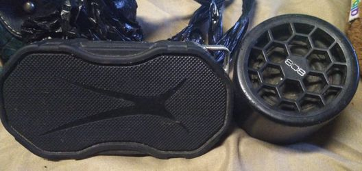 2 Bluetooth speakers 808 thump and altec Lansing for Sale in Lake Panasoffkee,  FL