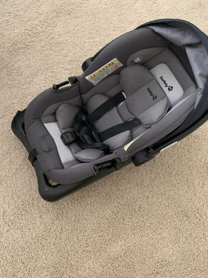 Infant car seat with base for Sale in Dublin, CA