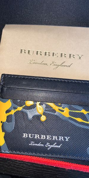 Burberry card holder. Limited edition for Sale in Federal Way, WA