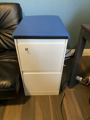 (New) File cabinet for Sale in Lake Worth, FL