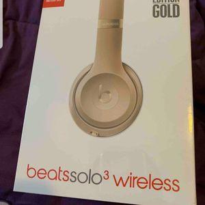 Beats solo 3 wireless (gold edition) for Sale in Port Orange, FL