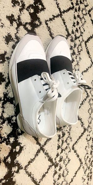 Sneakers (river island lace elastic sneakers in white)US SIZE 9. for Sale in San Antonio, TX