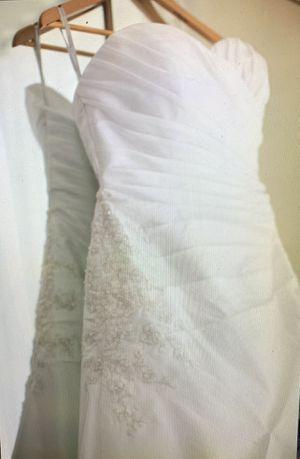 Sweetheart neckline ivory wedding dress for Sale in Garrison, MD