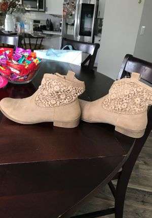 Women's boots 8.5 for Sale in Hutto, TX