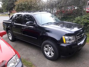 Chevy Avalanche 07, LTZ. Remanufactured 6.0, Engine with 10k miles under Waranty, Clean Title, Loaded. Pls Read Description Thanks for Sale in Federal Way, WA