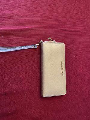 Michael kors wallet used a handful of times for Sale in Oak Creek, WI