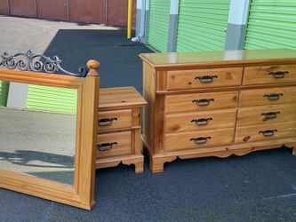 3 Piece Basset Furniture Dresser Set for Sale in Vancouver,  WA