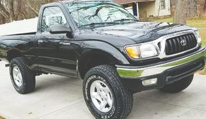 DRIVES GREAT NO ISSUES TOYOTA TACOMA 2001 for Sale in Las Vegas, NV