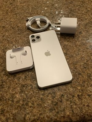 New Apple iPhone Pro Max 64gb, (Silver).....Factory Unlocked Worldphone. Pick Up Only. Apple Service Warranty until October 19, 2021. Low offers ign for Sale in Sunrise, FL