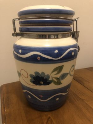 Vintage Gibson Locking Crock Canister for Sale in Randallstown, MD
