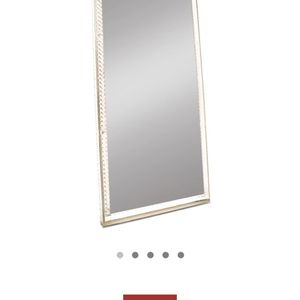 Diamond Edition : Radiant Mirror from Impressions Vanity for Sale in Anaheim, CA