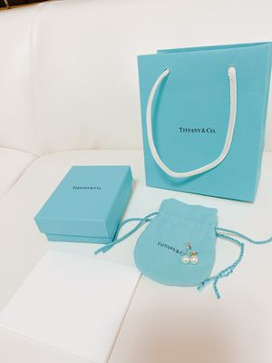 Tiffany & Co Pearl Earrings Sterling Silver for Sale in San Jose, CA