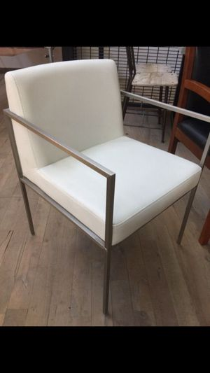 White Office chairs- price for 1 chair for Sale in Atlanta, GA