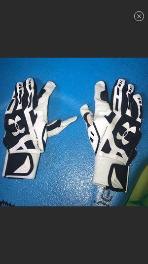 Softball/baseball gloves for Sale in Chula Vista, CA