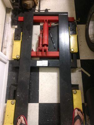 Snap on 6000 lb hydraulic car lift for Sale in Lakeland, FL