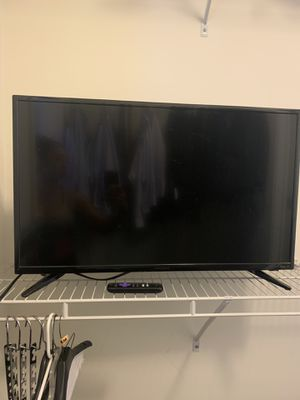 32 inch Roku TV with apps $75 for Sale in Evanston, IL