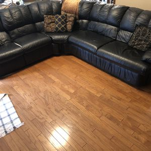 Black Leather Sleeper Sectional for Sale in Edmond, OK