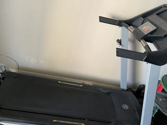 AS IS GOLD'S GYM Trainer 420 Treadmill for Sale in Tempe,  AZ