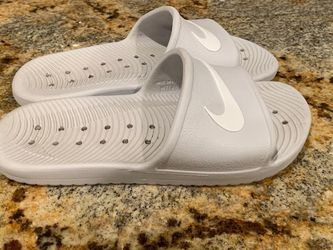 Woman's Nike Sandals Size 8 for Sale in Tolleson,  AZ