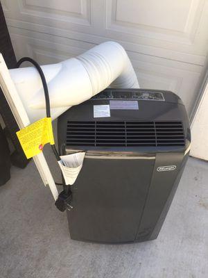AIR CONDITIONER (13,500 BTU) for Sale in Monterey Park, CA