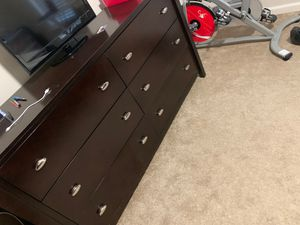 Brown wood queen bedroom set and mattress for Sale in Manassas Park, VA