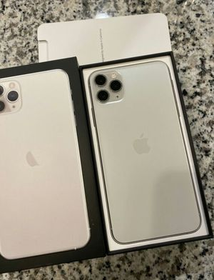 Iphone 11 Pro Max - 256GB - Silver (Unlocked) for Sale in Henderson, NV