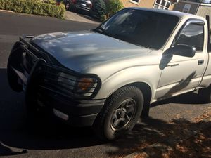 2002 Toyota Tacoma 4cyl 2.4l for Sale in Portland, OR