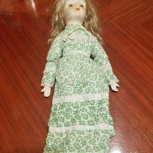 Vintage Ceramic Doll (1982) for Sale in Chicago, IL
