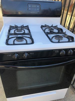 Stove looks new for Sale in Los Angeles, CA