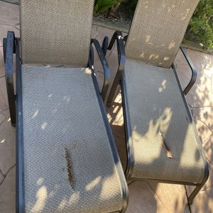 Lawn Chairs Need Work Free for Sale in Fairfield, CA