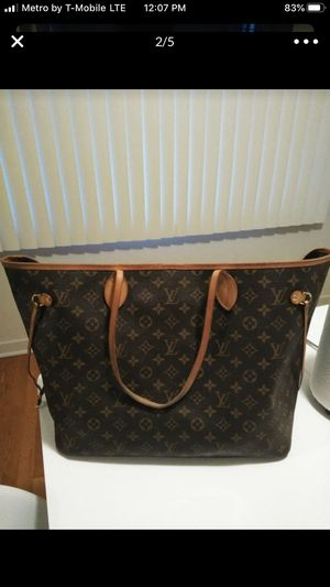 LOUIS VUITTON NEVER FULL 100% AUTHENTIC BAG, IN GOOD CONDITION, for Sale in Atwater, CA