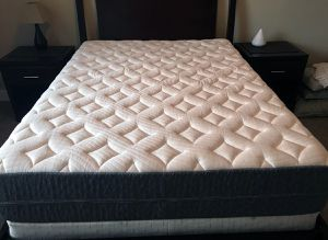 King Mattress Premium Foam Best Cooling Bed Ghostbed Luxe $700 OBO for Sale in Addison, IL