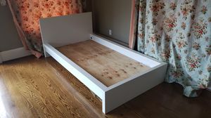 Platform Bed Frame for twin bed for Sale in Seattle, WA